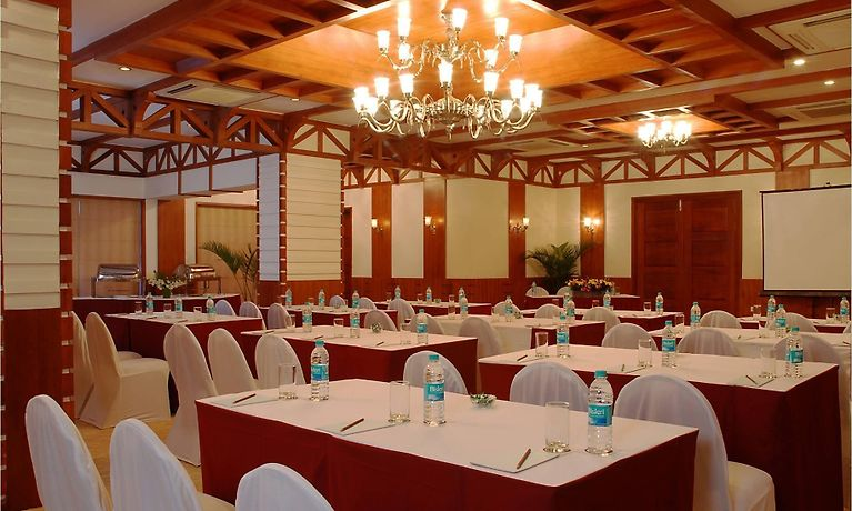 E- INN A LUXURY BUSINESS HOTEL, BANGALORE - Room Rates from $78